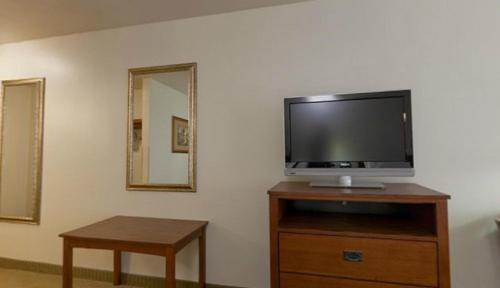 Holiday Inn Express Hotel & Suites Mattoon Photo