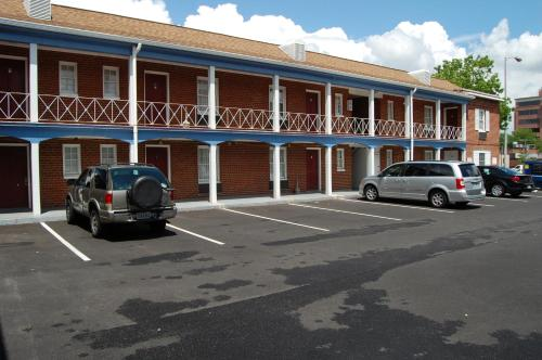 Towne Motel Alexandria Photo