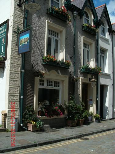 Photo of Cartref Guesthouse Hotel Bed and Breakfast Accommodation in Caernarfon Gwynedd