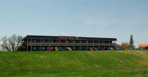 Tidal Bore Inn Photo