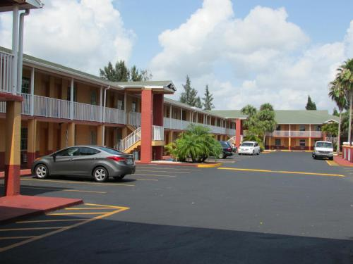 Howard Johnson Inn Fort Myers Photo