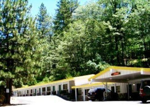 Golden Chain Motel - Grass Valley, CA 95945