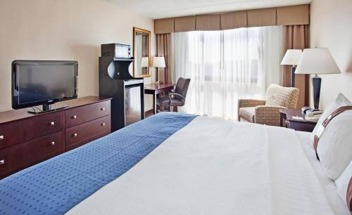 Holiday Inn Kansas City Northeast I-435 North Photo
