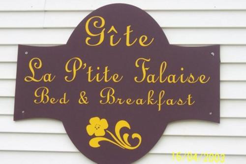 Gite La Ptite Falaise Bed and Breakfast Photo