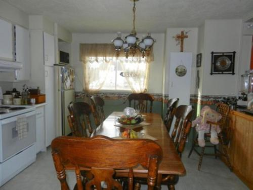 Domaine Joseph Ross Bed and Breakfast Photo