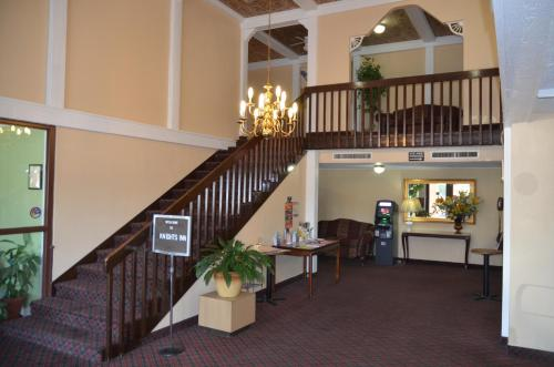 Knights Inn Memphis Airport Photo