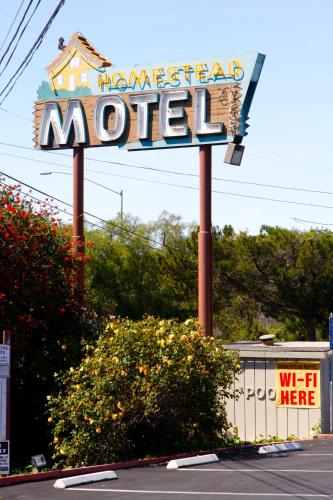 Homestead Motel Photo