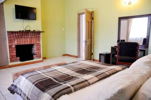 Hills Country House, Blantyre