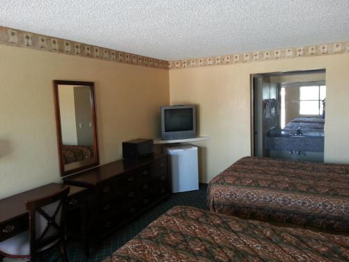 Tahlequah Motor Lodge Photo