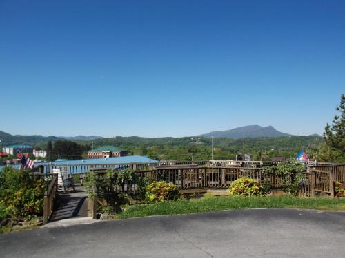 Hotel Pigeon Forge Photo
