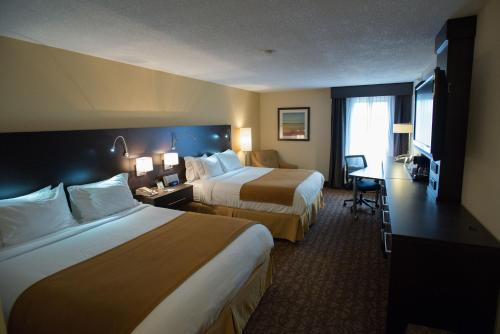 Holiday Inn Express Hotels & Suites Topeka West Photo