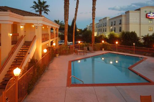 Best Western Palm Court Inn - Modesto, CA 95350