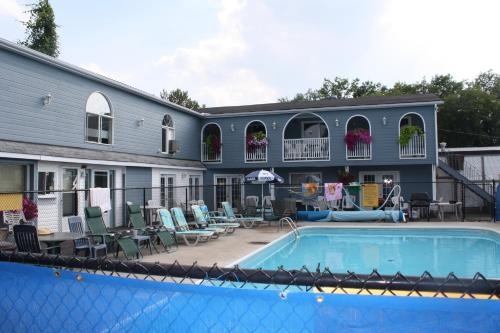 Kingsbridge Inn / Bon-Air Motel Photo