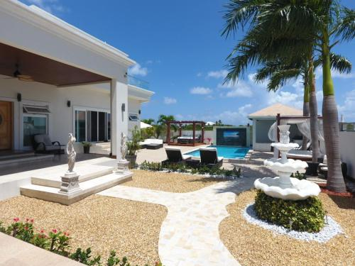 The White House, Providenciales