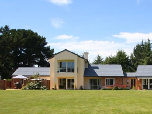 The Meadows Villa - christchurch -
