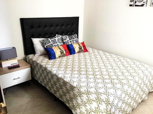 Comfortable apartment with private parking, pool, good ubication.., Medellín