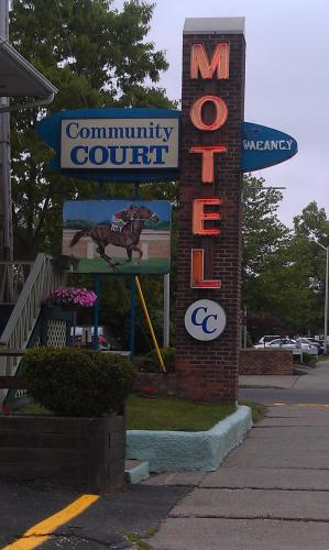 Community Court Motel Photo