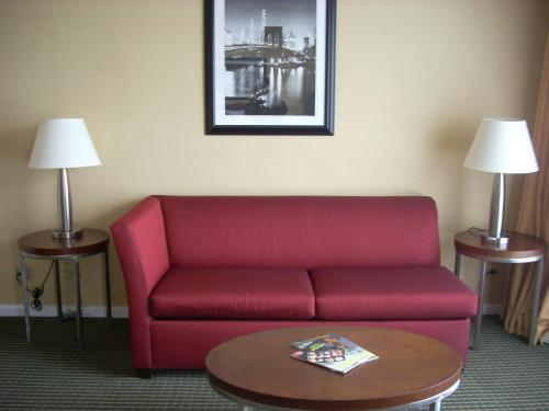 Garden Inn & Suites - JFK Photo