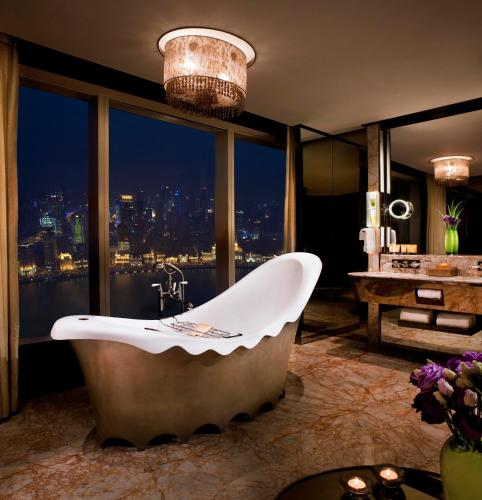 The Ritz-Carlton Shanghai, Pudong photo 10