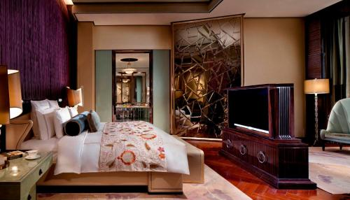 The Ritz-Carlton Shanghai, Pudong photo 11