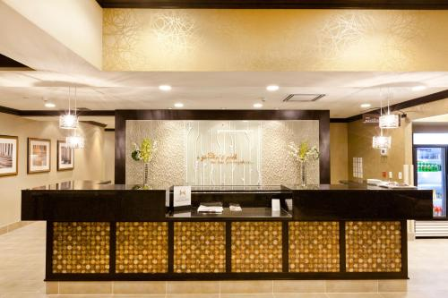 Hilton Garden Inn Toronto/Brampton Photo