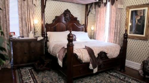 Lockheart Gables Romantic Bed and Breakfast Photo