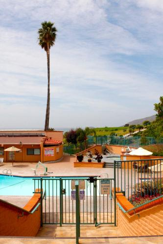 San Luis Bay Inn Photo