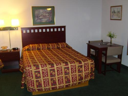 Shanico Inn Photo