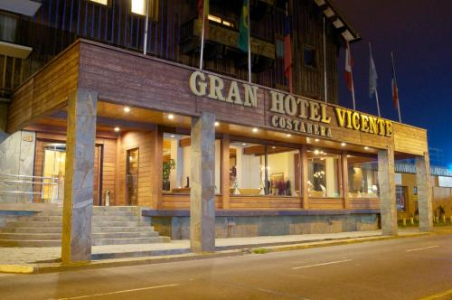 Gran Hotel Vicente Costanera Photo