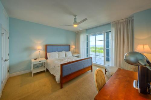 Harborside Suites at Little Harbor Photo