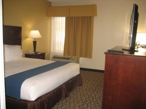 Holiday Inn Express Scottsdale North Photo