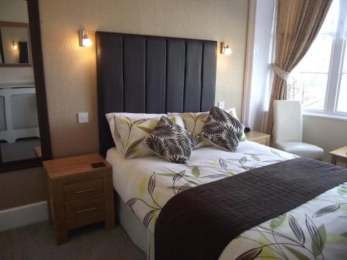 The Warwick Guest House in Weymouth from £42