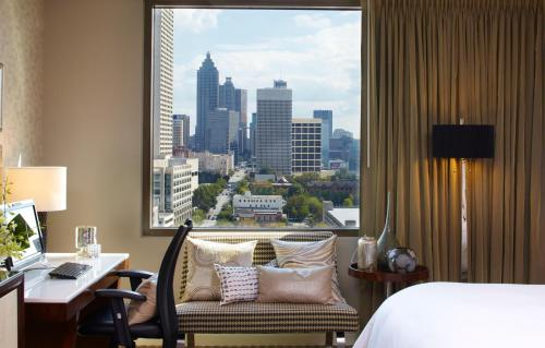Renaissance Atlanta Midtown Hotel Photo