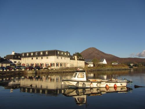 Dunollie Hotel 'A Bespoke Hotel', green hotel in Broadford, United Kingdom