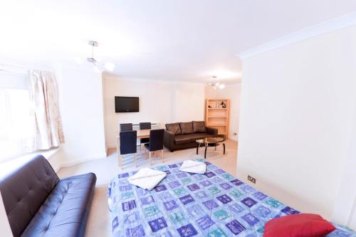 Photo of Hyde Park Whiteleaf Apartments Self Catering Accommodation in London London
