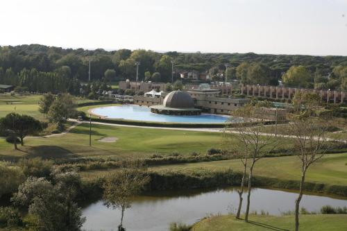Cosmopolitan golf beach resort tirrenia - Bagno golf tirrenia ...