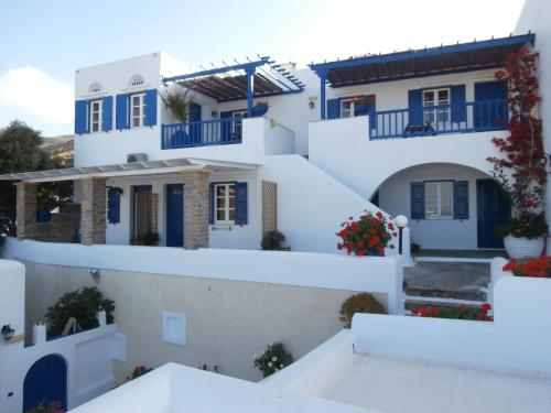 Galini Bungalows in tinos - 0 star hotel