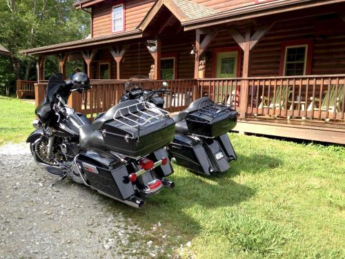 Hodge Podge Lodge bring 25 of your friends to Dale Hollow Lake