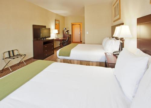 Holiday Inn Express Lodi Photo