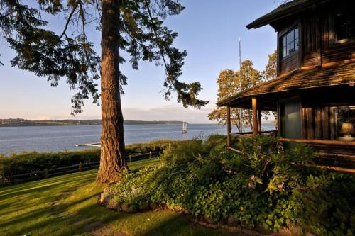 Captain Whidbey Inn - Coupeville, WA 98239