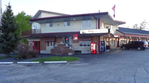Chateau Guay Motel & Restaurant Photo