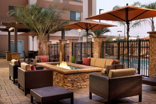 Courtyard by Marriott San Diego Oceanside Photo