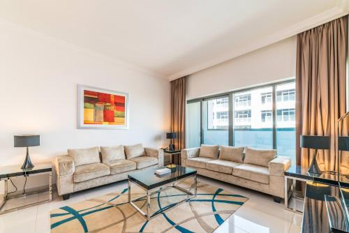 Hometown Apartments - Bright and Beautiful 2 BR in Business Bay, Dubaï