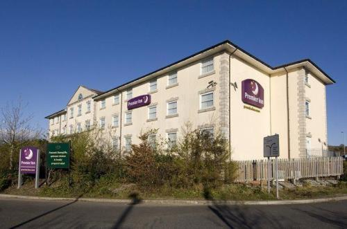 Premier Inn Bridgend Central