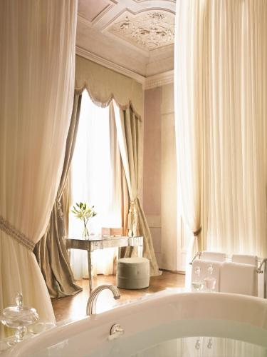 Four Seasons Hotel Firenze photo 17