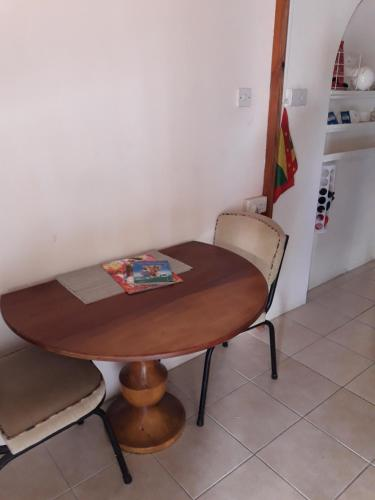 Cosy Corner Apartment, Saint George`s