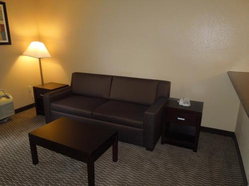 Days Inn & Suites Cincinnati Photo