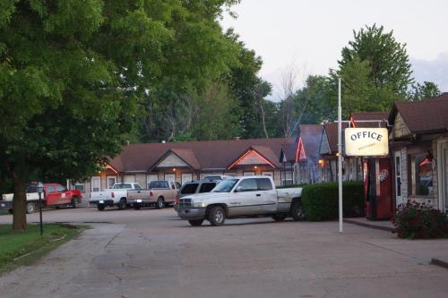 Koch Motel - Sabetha Photo