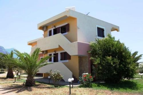 Terpsichore Apartments - Main Street Greece