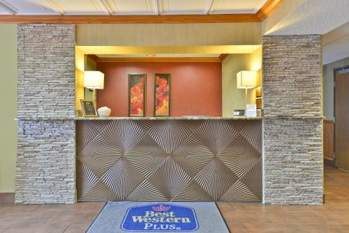 Best Western Plus Marion Hotel - Marion, IL 62959